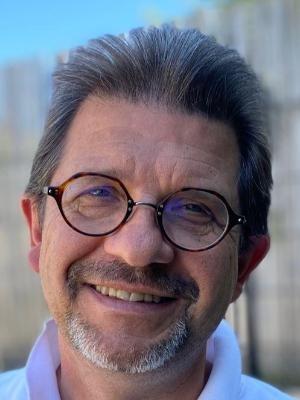 Yann GUILLOU   Président